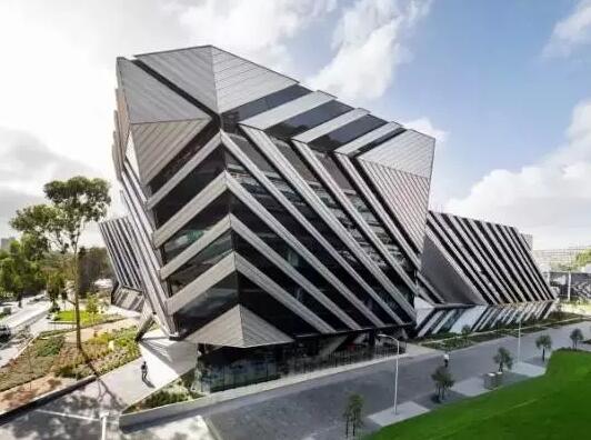 莫纳什大学艺术,设计与建筑学院要求难不难
