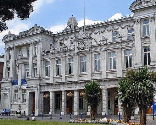 伦敦大学玛丽女王学院院系设置