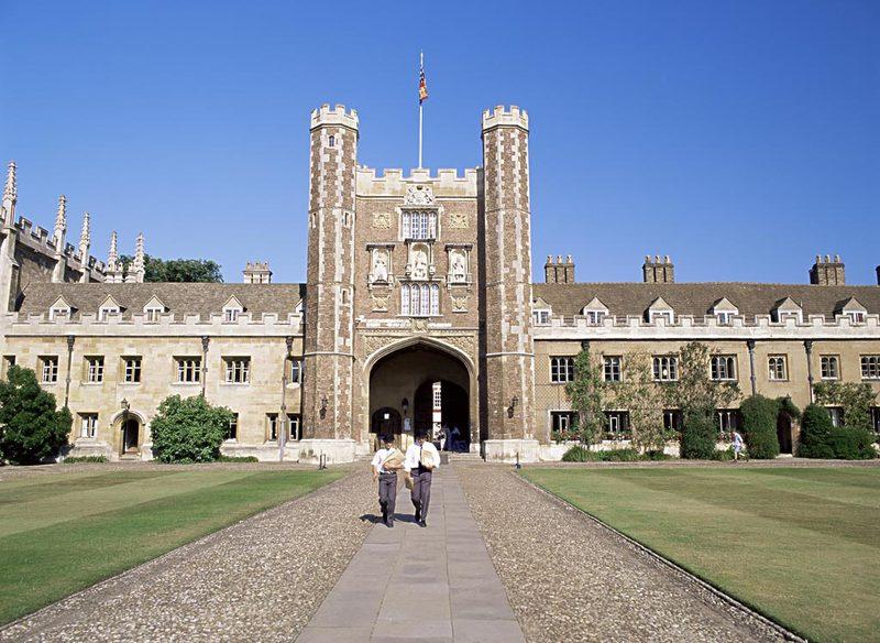威尔士三一圣戴维大学就读