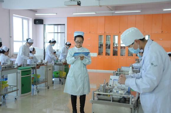 (黑龙江省鹤岗卫生学校)口腔护理专业