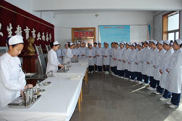 (黑龍江省鶴崗衛生學校)校園環境