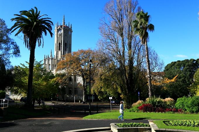 奥克兰大学商学院
