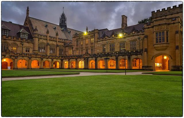 澳洲留学:悉尼大学预科学费及入学要求解析