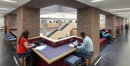 金斯顿大学院系设置