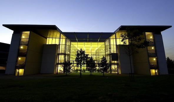 赫特福德大学地理位置以及环境介绍