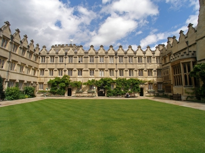 牛津大学毕业生回国好就业吗