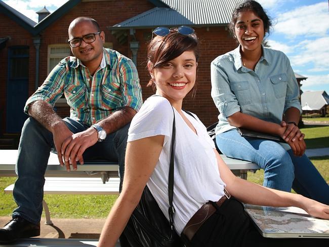 西悉尼大学护理专业课程设置难不难