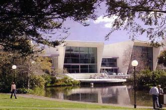 坎特伯雷大学商学院法学院(商业与法律学院)