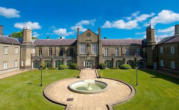 英国威尔士三一圣戴维大学留学的省钱小妙招