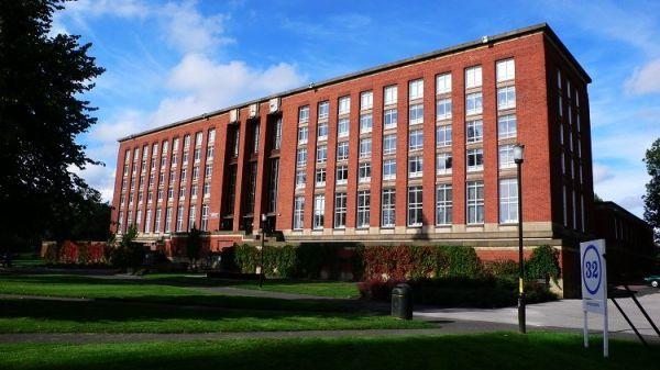 伯明翰大学校园环境