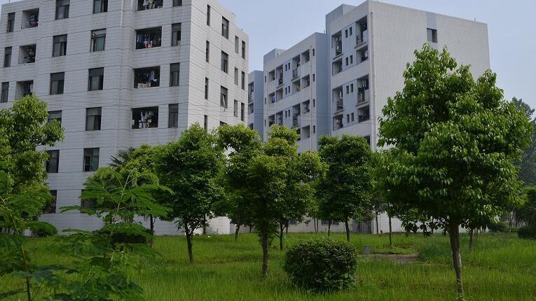 (四川省紅十字衛生學校)校園環境