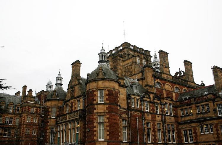 如何申请爱丁堡龙比亚大学