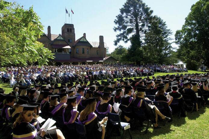 新英格兰大学容易申请吗