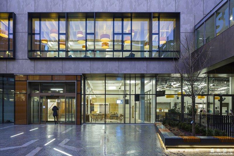 英国伦敦南岸大学院系设置