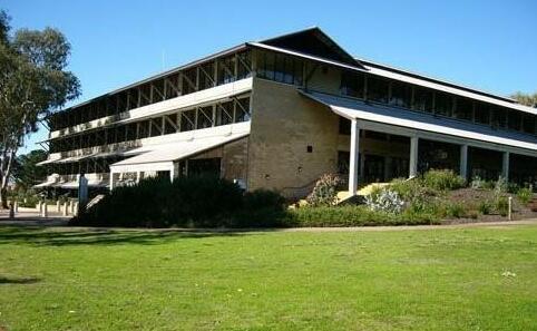 澳大利亚留学:2017新英格兰大学科学与科技学院专业设置