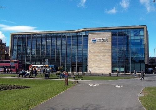 英国纽卡斯尔大学