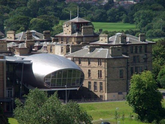 在爱丁堡龙比亚大学就读好不好