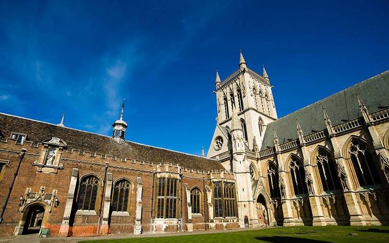剑桥大学,一所声音的金字塔